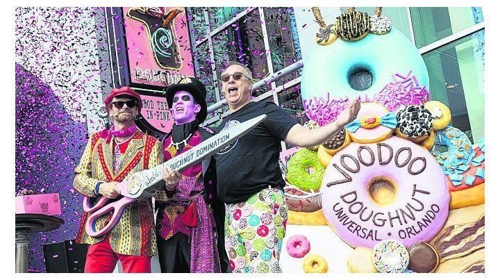 Abrió la tienda Voodoo Doughnut