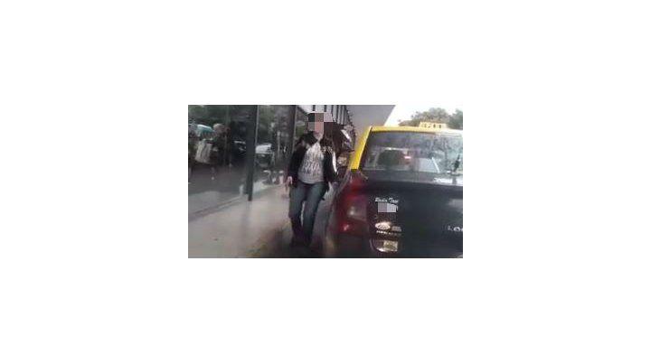 Mujeres taxistas denuncian maltrato y apretadas en la terminal de ómnibus