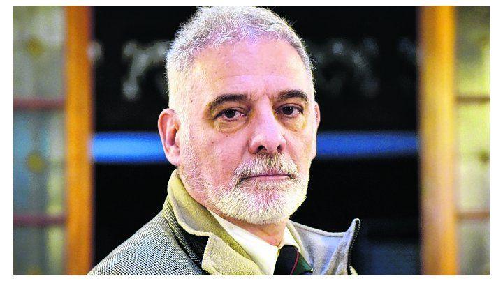 Pissolito es autor de Las FFAA en otras operaciones diferentes a la guerra.