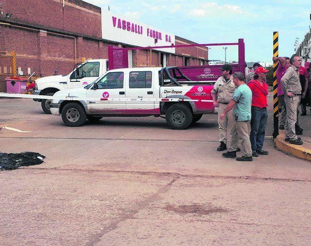 ocupada. Los obreros permanecen en la planta para evitar un vaciamiento.