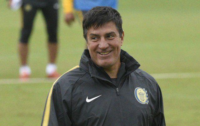 El entrenador de Central guardó jugadores para el partido con San Pablo.