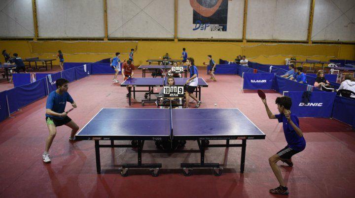 La UNR fue el escenario donde se disputaron los Juegos Cruz del Sur de 1982 y el Campeonato Argentino de 1983.