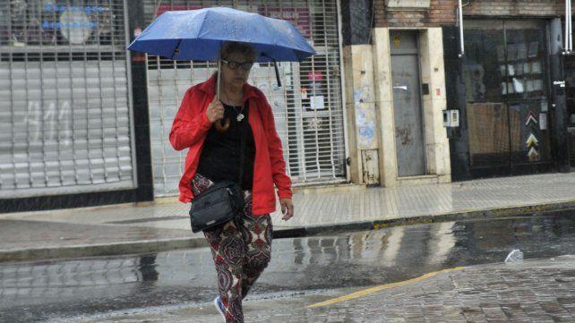 Las lluvias amenazan con estar presentes durante todo el fin de semana