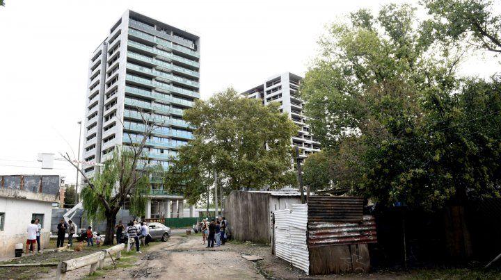 La zona de Junín y avenida Francia es foco de controversia desde hace años. En el lugar hay 70 familias.