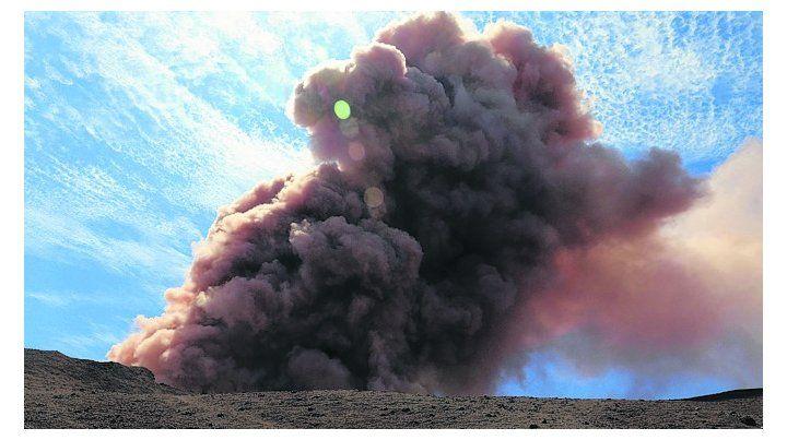 Erupción. Toda una gran área será impactada por cenizas y lava.
