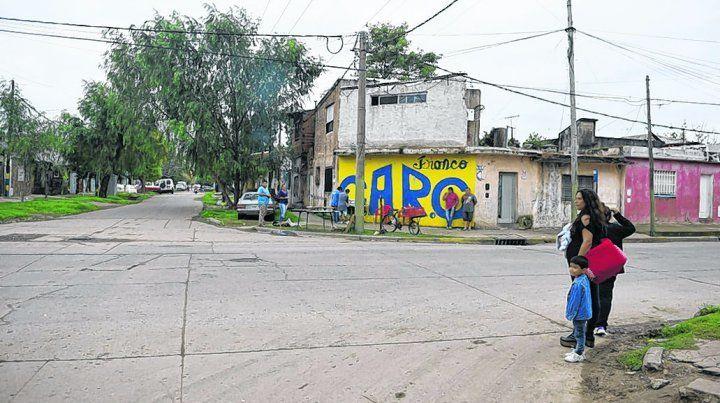 empalme graneros. Maxi iba en moto cuando fue baleado en la esquina de Génova y Garzón.
