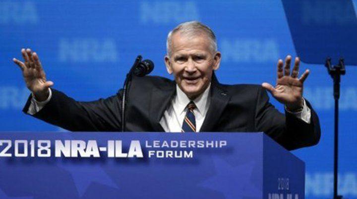 Oliver North nuevo presidente de la Asociación Nacional del Rifle (NRA) .