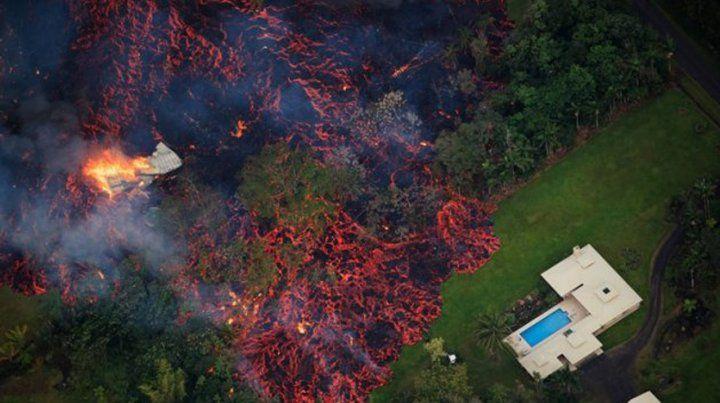 El volcán Kilauea arrasa decenas de viviendas