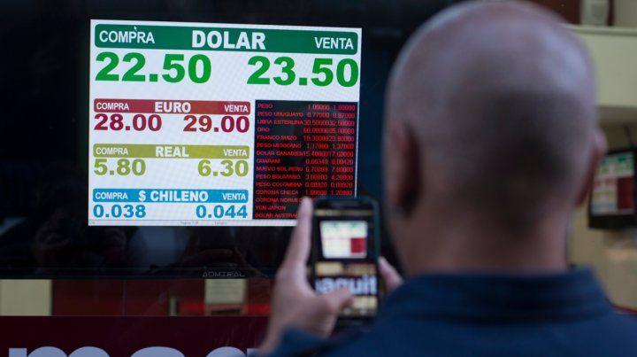 En Rosario, los pequeños ahorristas optaron por retirar sus divisas