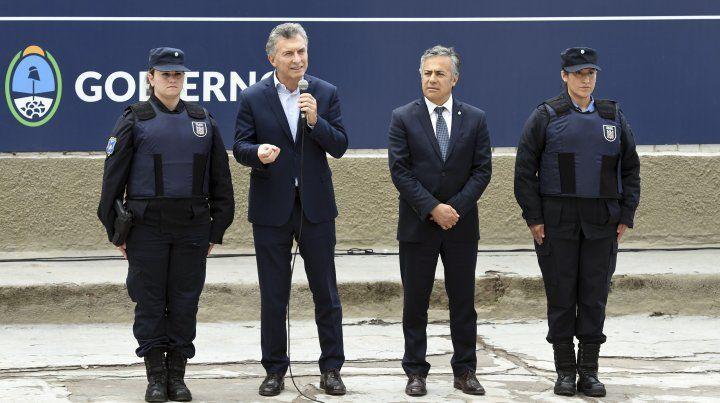 El presidente Mauricio Macri compartió un acto con el gobernador de Mendoza y tiular de la UCR