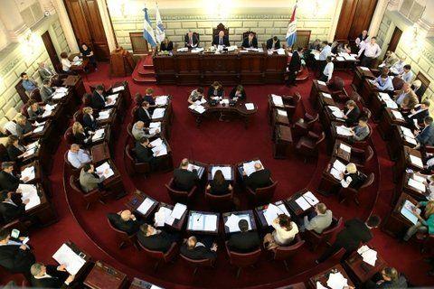 todas las bancas. El oficialismo enfrentará un arduo desafío en el Parlamento santafesino.
