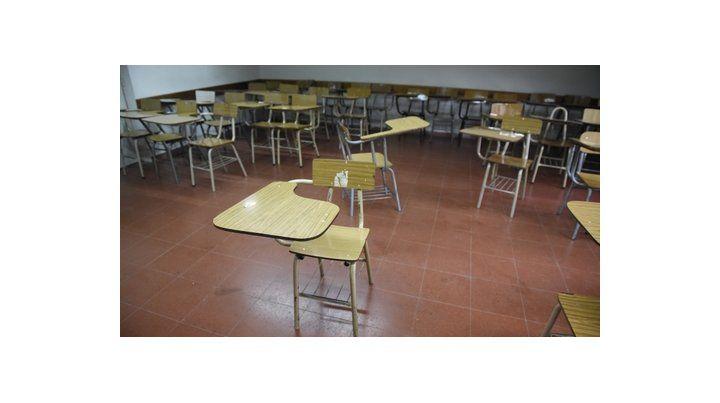 aulas vacías. Los profesores rechazan una suba del 15% en sus salarios sin cláusula gatillo.