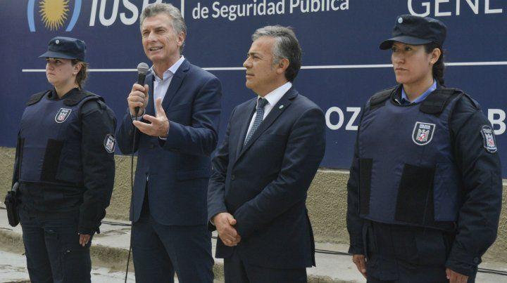 Con cornejo. Macri se mostró en Mendoza con su aliado radical.