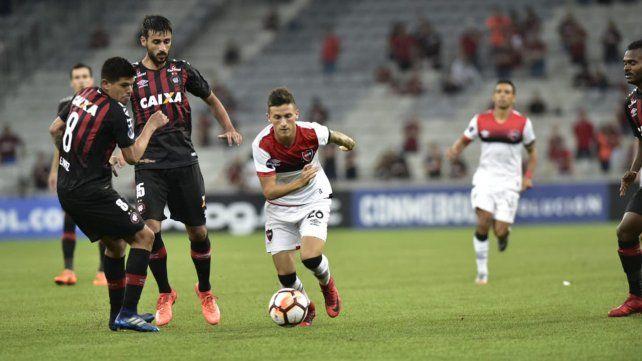 Paranaenseganó 3 a 0 en Curitiba en el partido de ida de la primera fase de la Copa Sudamericana.