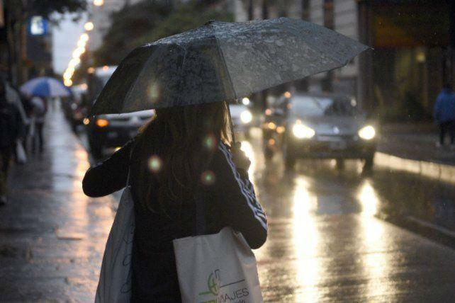 Rosario y la región siguen bajo alerta por tormentas fuertes y ráfagas de viento