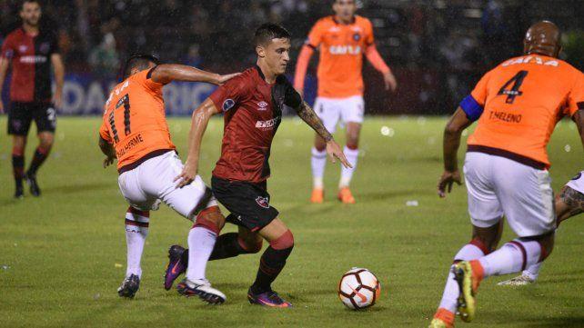 Los apiló. Al inicio del complemento Fértoli eludió a 4 rivales y Figueroa no concretó.
