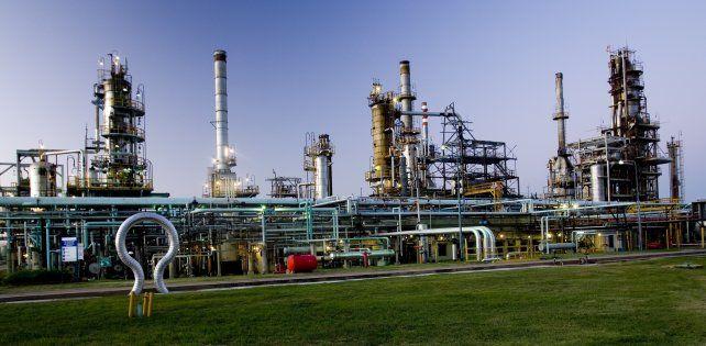 El juez decretó la quiebra de Oil y espera inversores