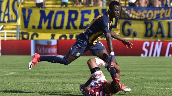 El colombiano Oscar Cabezas sería titular el lunes ante Estudiantes.