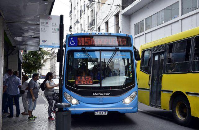 Se agrava la crisis del transporte y en el Concejo ya piden municipalizar todo el sistema
