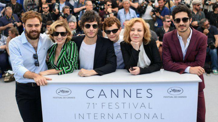 El elenco junto al director Luis Ortega desfilaron en la muestra francesa.