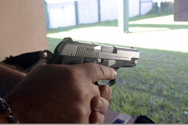 Entre registradas e ilegales, estiman que más de 300 mil armas están en manos de civiles en Santa Fe