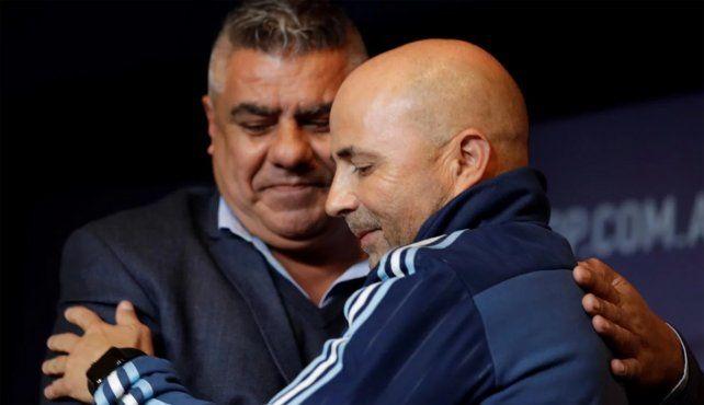 <b>Respaldo. </b>Tapia bancó a Sampaoli de cara al Mundial y dijo cuál es el objetivo de Argentina.