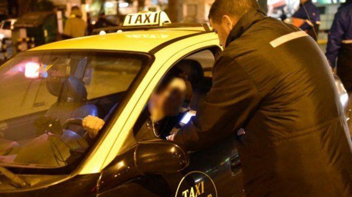 Narcolemia. Un taxista cayó en un operativo de tránsito tras consumir cocaína.