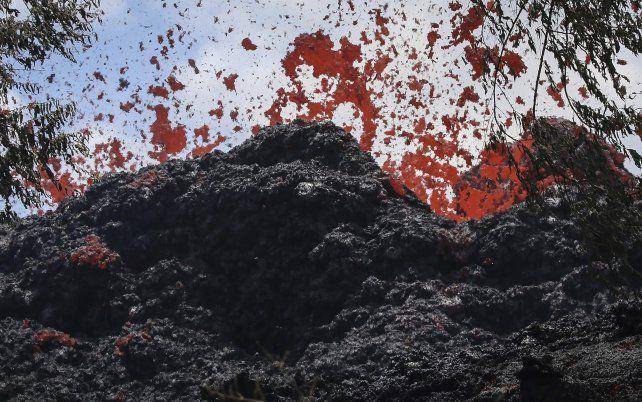 Los residentes se preparan para una erupción del volcán Kilauea.