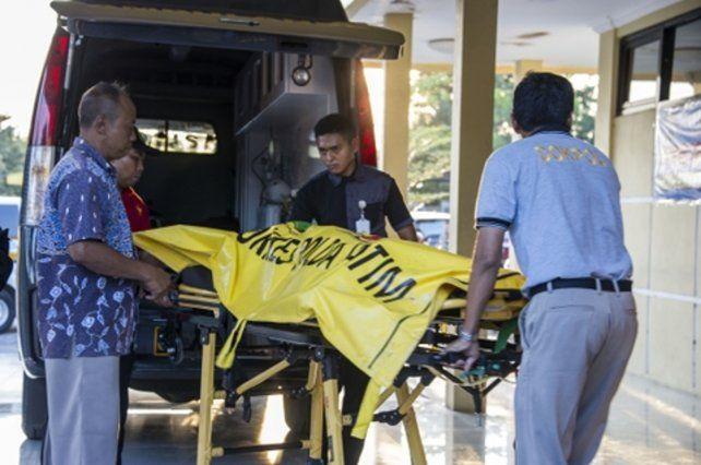 matanza. Una mujer y dos niñas llevaban bombas adosadas al cuerpo.