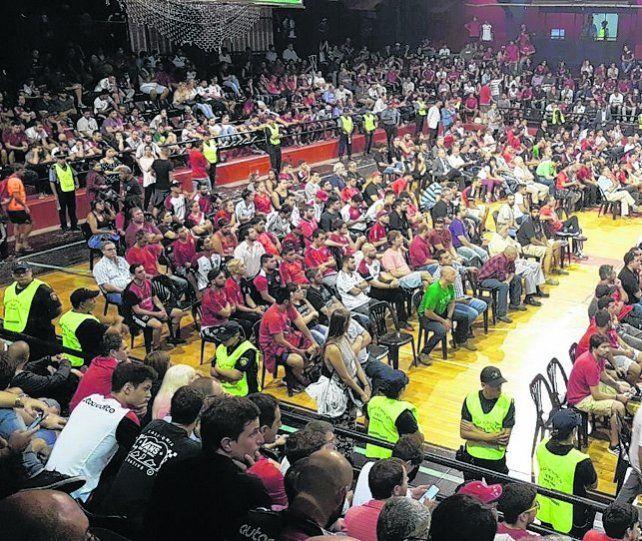Convocatoria. Los socios vuelven a votar el balance en el estadio cubierto.