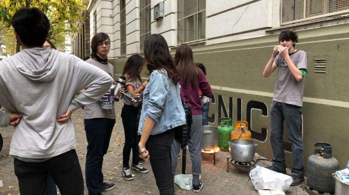 El Centro de Estudiantes del Politécnico organizó una jornada de protesta en reclamo de mejores condiciones edilicias.