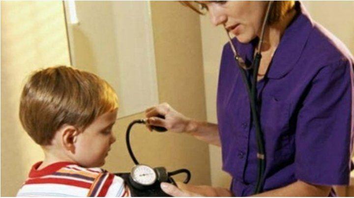 hipertensión arterial. El exceso de sal y la falta de actividad física son claves en la aparición de la presión.