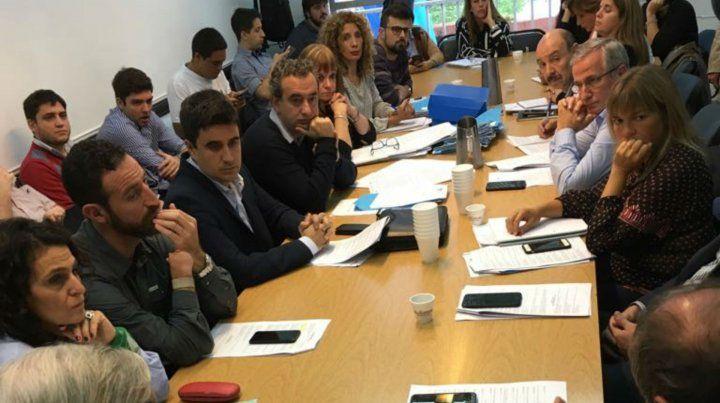 La multisectorial contra el tarifazo fue recibida hoy en el Concejo Municipal.