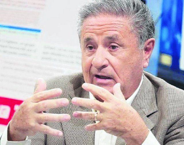 aviso. Duhalde dijo que hay una borrachera de poder en el gobierno.