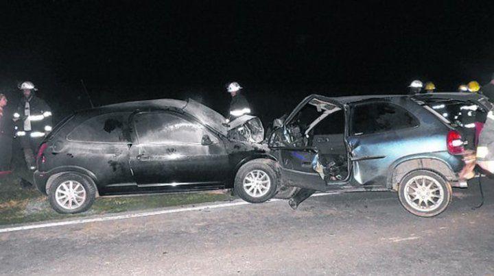 impacto. Los autos quedaron incrustados por la violencia del choque