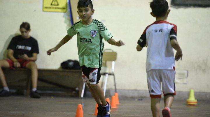 Los chicos integran una liga de Fútbol de Salón de Rosario.
