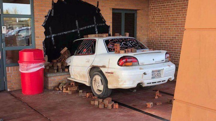 Ilusión óptica. La escena que montaron los egresados en un colegio secundario estadounidense.