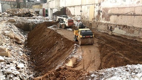 movimiento de tierra. La empresa constructora ya comenzó los trabajos de suelo para levantar dos edificios de siete pisos
