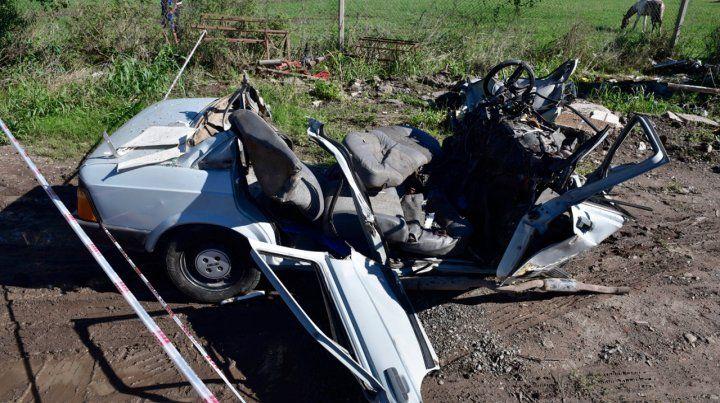 Un choque frontal en una colectora de la autopista a Santa Fe cerca de Timbúes dejó tres muertos el sábado pasado.