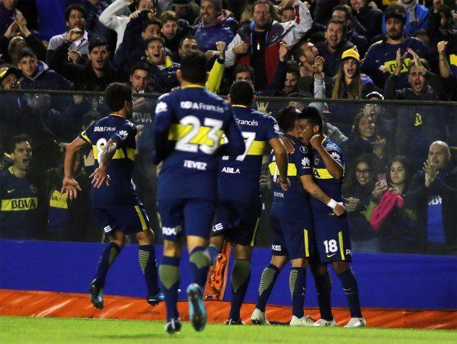 Alegría xeneize. Boca goleó a Alianza Lima y se benefició del triunfo de Palmeiras para avanzar de fase.