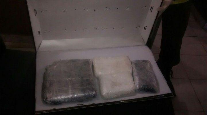 Incautan más de cinco kilos de cocaína en el peaje de General Lagos