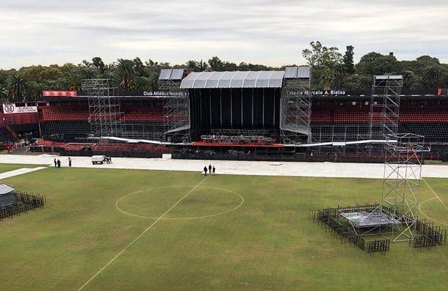 Así se prepara. El escenario para los recitales de La Renga en el estadio de Newells.