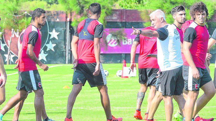 Newells quiere mandarlo al Rincón en su debut en la Copa Argentina