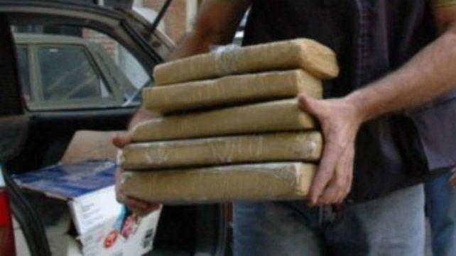 Hallaron diez kilos de marihuana en un camión