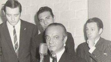 En la Chicago Argentina. Detrás de Astor, Julio César Orselli, Carlos Peralta y Miguel Vettorello.