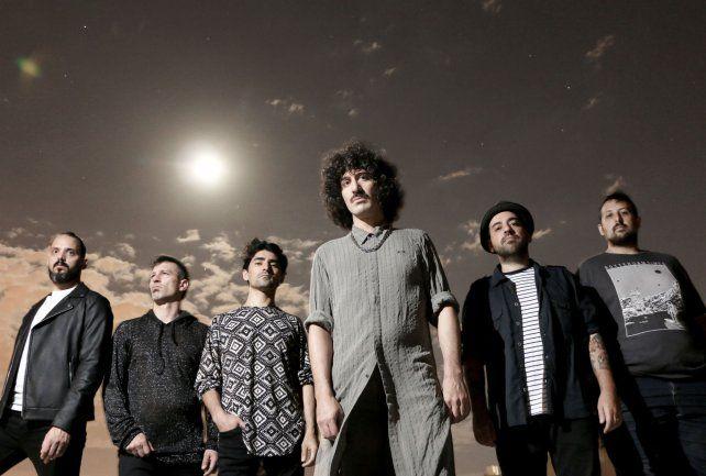 El cantante Dani Pérez (al frente) habló del nuevo álbum de la banda