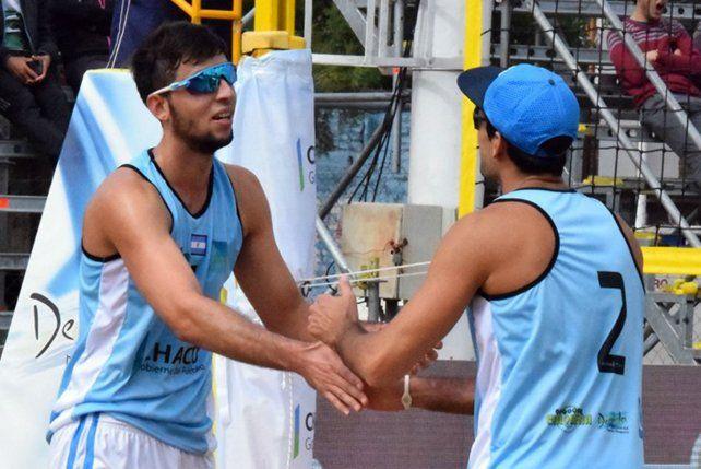 De gran temporada. Capogrosso y Azaad son la dupla Nº 1 del beach argentino.