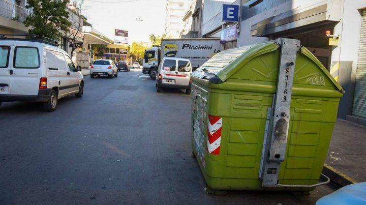 Sarmiento 1600. El contenedor donde apareció el dinero.