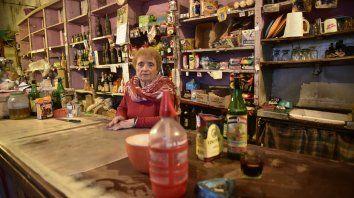 María Luz contó que pasó gran parte de su vida junto a su familia tras el antiguo mostrador.