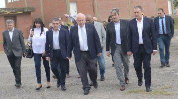 El gobernador resaltó el trabajo conjunto entre los intendentes y legisladores para lograr la obra.